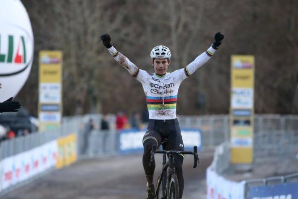Wout Van Aert SUOMY World Champion